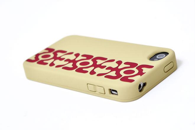 レーザー彫り iPhone4シリコンカバー