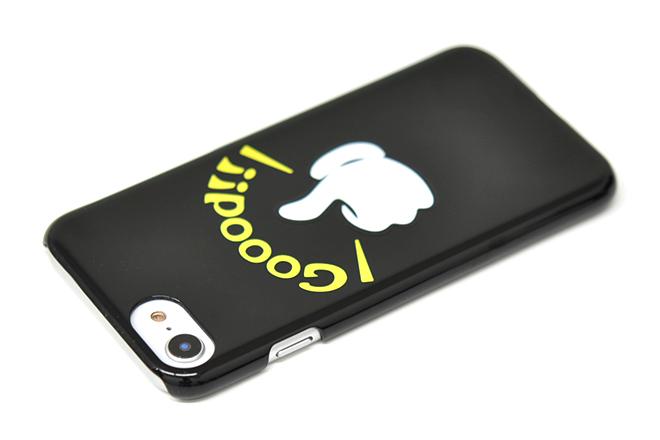 ワンポイントのシンプルなiPhoneケース